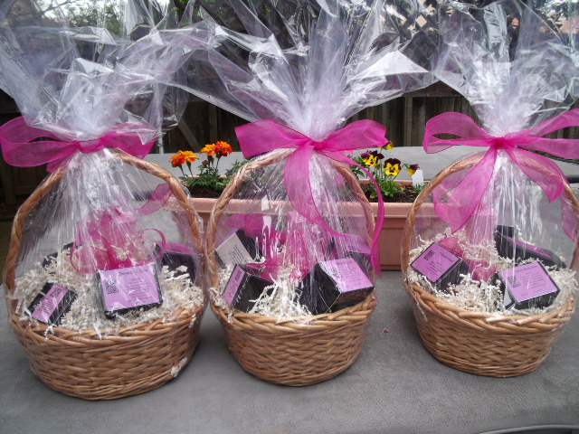 Gift baskets from bubbles and bath boutique gift basket2 negle Images